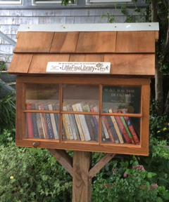 Hedge House Library